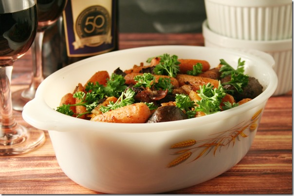 Hearty Burgundy Beef Stew #SundaySupper - YoursAndMineAreOurs.com