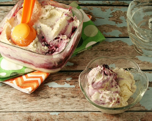 No Churn Low-Carb Blueberry Cheesecake Ice Cream - Yours And Mine Are Ours
