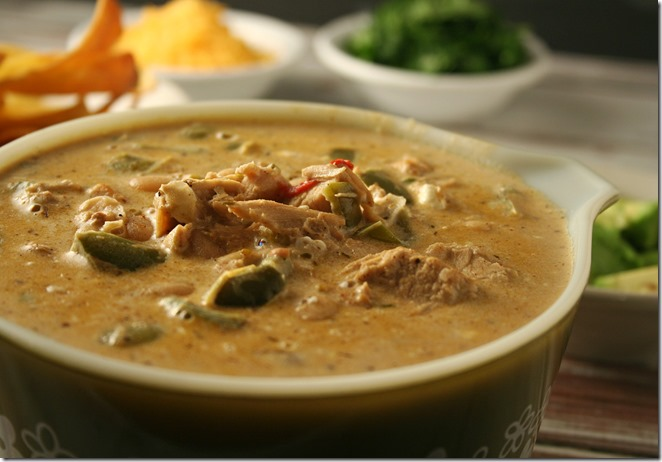 Spicy White Turkey Chili - YoursAndMineAreOurs.com