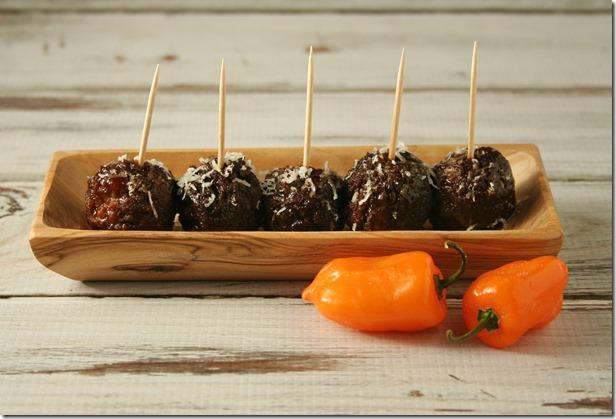 Kickin' Meatballs2 - YoursAndMineAreOurs - #AppetizerWeek
