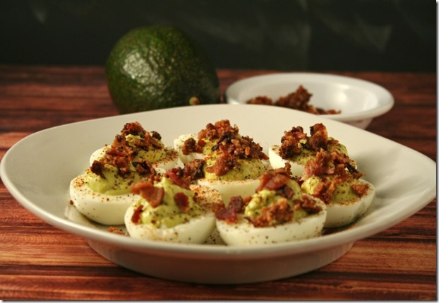 Low-Carb Kickin' Bacon Avocado Deviled Eggs #AppetizerWeek @PotsandPans - YoursAndMineAreOurs.com