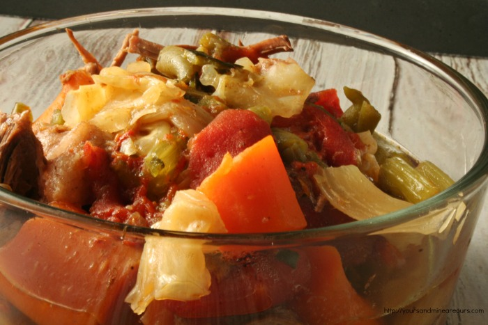 Low-Carb Slow Cooker Chunky Beefy Vegetable Soup #SundaySupper - YoursAndMineAreOurs.com